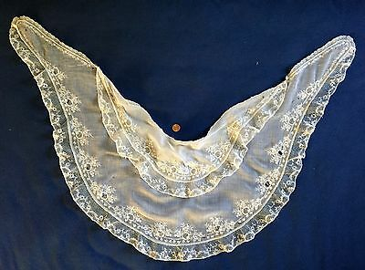 White lace and embroidery double fichu collar 1830-40 COSTUME
