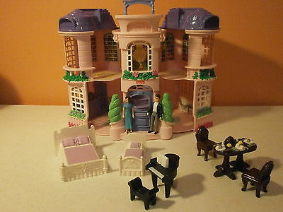 Fisher Price Sweet Streets Townhouse with 9 original Accessories