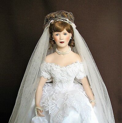 "18"" Bride Doll, Paradise Galleries ""JUNE"", Porcelain/Cloth, Beautiful Doll + Sta"