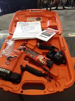 NEW Paslode IM250A-Li 16ga Angled Cordless Li-ion Finish Nailer w/Case