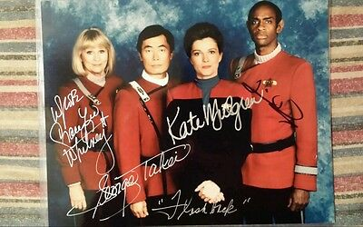 Star Trek Voyager Kate Mulgrew, George Takei, Tim Russ, Grace Lee Whitney Signed