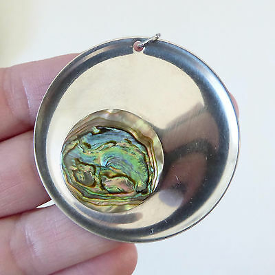 PEAK Stainless steel pendant. Modernist 70s. Round+abolone shell, retro necklace