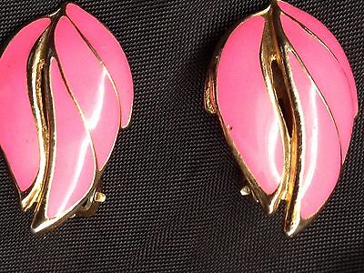 Vintage 80's Hot Pink Gold Tone Clip On Earrings.