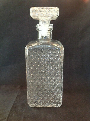 DIAMOND CUT GLASS DECANTER MADE IN ITALY 80mm x 80mm & 220mm TALL