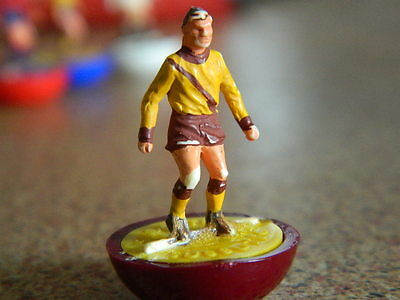 VINTAGE 1970s SUBBUTEO - CLASSIC FOOTBALL H/W SPARE - MOTHERWELL - # 185