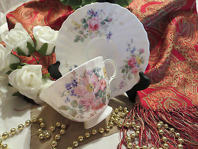 Footed Tea Cup and Saucer - Royal Doulton - Arcadia H4802