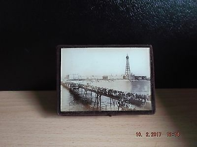 ANTIQUE BOX WITH B/W PHOTOGRAPH OF BLACKPOOL BEHIND GLASS ON LID. Date 189495