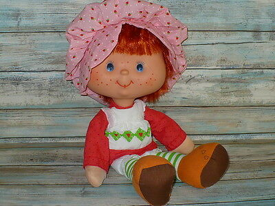 "Vintage STRAWBERRY SHORTCAKE Large Vinyl Head Rag Doll Ragdoll 16"" tall w/Comb"