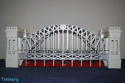 Lionel Corporation MTH 11-90002 No. 300 Hellgate Bridge White/Red Std. Gauge **