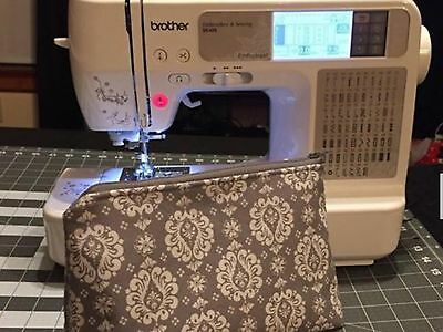 Brother SE425 Computerized Embroidery & Sewing Machine With USB Lead + Extra CD