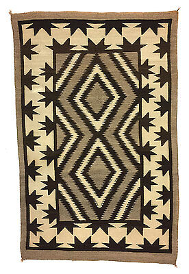 VINTAGE Navajo Crystal Rug with Valero Star Border Design, c. 1930s