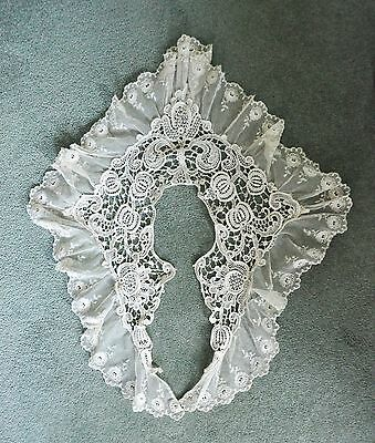 Vintage ladies lace collar