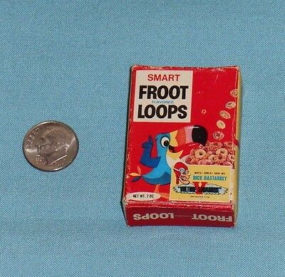 vintage Smart Toys FROOT LOOPS MINI CEREAL BOX Dick Dastardly Vulture Squadron
