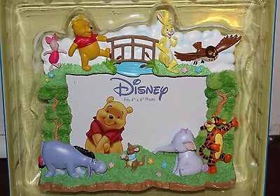 New in Box DISNEY Winnie the Pooh & Friends 3D Frame by Enesco Holds 4 x 6 Photo