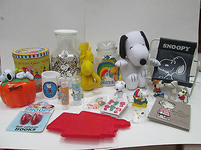 Vintage Large Collection of Peanuts / Snoopy Items: Hard To Find Must See