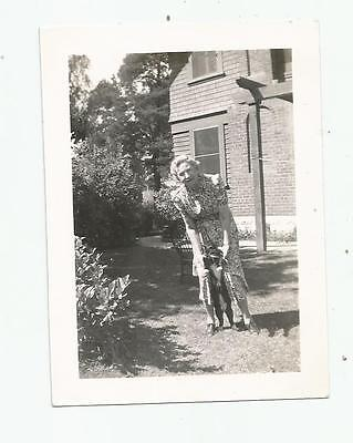 1941 Photo Mr Kitty Cat I Know You Can Walk On 2 Legs Photo Old Woman Loves Cat