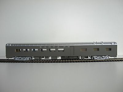 Walthers RTR HO 85' Pullman-Standard 48-Seat Diner. ATSF