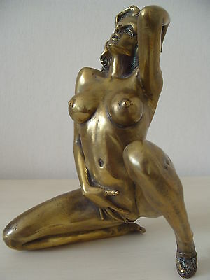 Statue Sculpture Tres Erotique Moderne En Bronze Femme Nue Pose Tres Suggestive