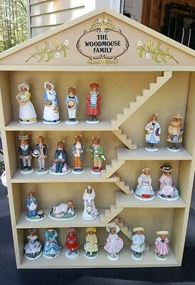 1985 Franklin Mint WOODMOUSE FAMILY Display House & 23 Porcelain Figures; COAs