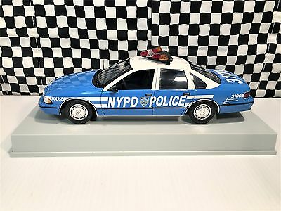 UT Models Chevrolet Caprice NYPD Police Car 1:18 Diecast Boxed