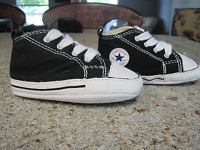 Converse All Star Baby Crib Shoes black/white size 4 soft soles lace up EUC