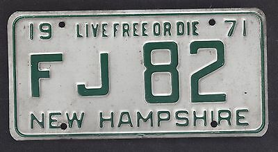 New Hampshire Vintage Auto Licence Plate 1971 ( F J 82 )
