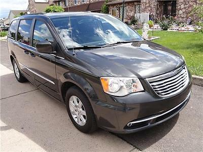 2012 Chrysler Town Country Stow'n Go Touring Stow'n Go DVD 2012 Chrysler TownCountry Touring Stow'nGo 2DVD Bluetooth LeatherSeats RearView