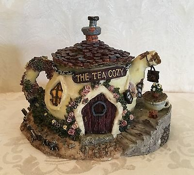 Boyd's Bearly-Built Villages - The Tea Cozy 19015