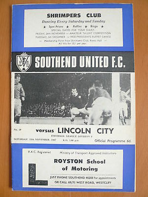 67/68 - SOUTHEND UNITED v LINCOLN CITY - DIVISION 4 - EXC
