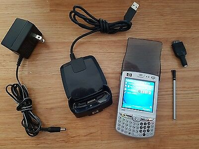 HP iPaq Messenger hw6955 Rogers w/ battery, USB dock, AC adapter and light up
