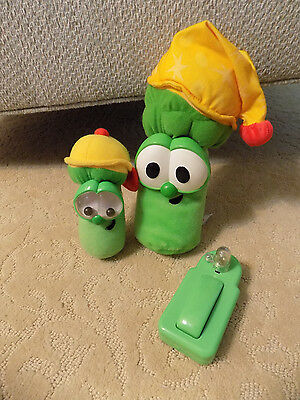 Lot Fisher Price Veggie Tales Jr. Asparagus Singing Light up Bedtime Plush Doll