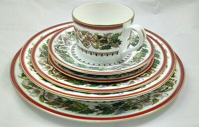 Spode Christmas Rose 6 Piece Place Setting -Y8560 - Includes Soup Bowl