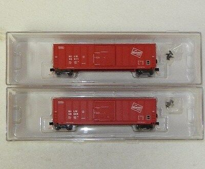 2 x Roundhouse N Scale Milwaukee Road 50' Boxcars