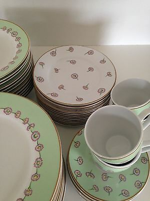 ROYAL ALBERT Porcelain 12 Piece Dinner Plate Set Called DAISY CHAIN