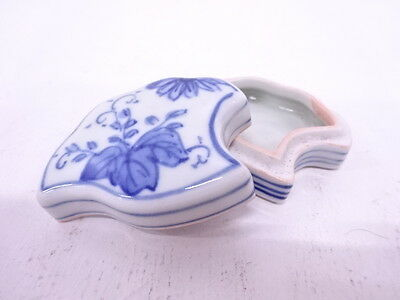 82358# Japanese Tea Ceremony / Kogo (Incense Container) / Ginkgo / Blue & White