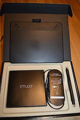 Wacom Intuos Draw Tablet with Box and accessories