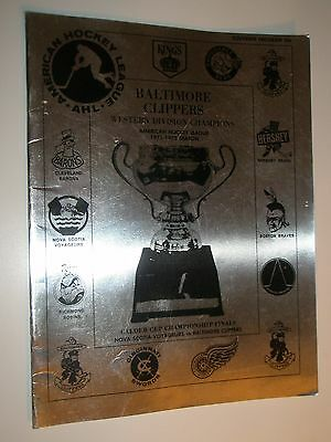 BALTIMORE CLIPPERS vintage PROGRAM,1971-72,extra clean,AHL,scarce.