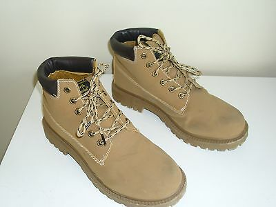 Mens Earthworks Honey Suede Safety Boots Size 9