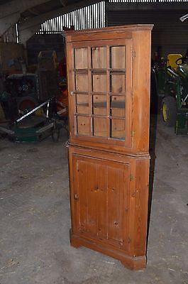 Pine Corner Cupboard / Cabinet in Good Condition - nice Patina.