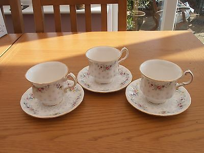 VINTAGE PARAGON 3 x TEA CUP & SAUCER IN THE SPRING GARLAND PATTERN