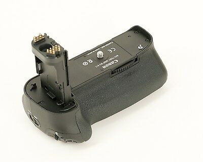 Canon BG-E11 Battery Grip for EOS 5D Mark III, 5DS and 5DS R, good condition