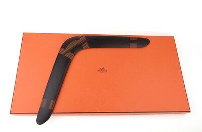 New HERMES Rosewood palisander BOOMERANG wood H en vol Logo rare display wooden