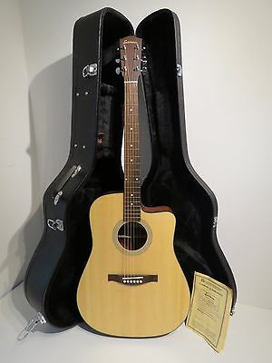 Eastman AC-20CE Electro Acoustic Guitar & Hard Case