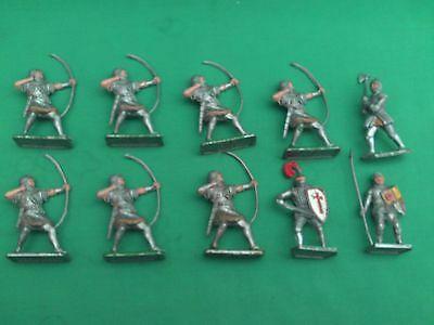 CRESCENT TOYS 54mm PLASTIC KNIGHTS X 10 IN V.G.C.