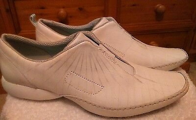 Clarks Privo size 5D white silver ladies shoes