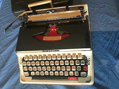 Vintage Pinnock Portable Typewriter