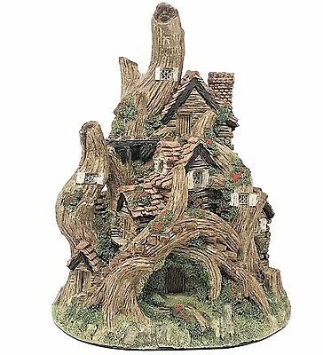 David Winter The Woodcutters Cottage Hand Made Collectibles 1983 John Hine Ltd.