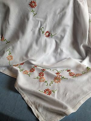 Large vintage hand  embroidered daisies tablecloth  in good condition
