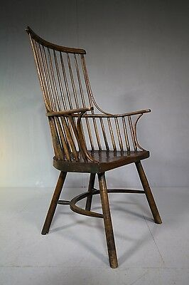18th Century Antique Comb Back Windsor Armchair.