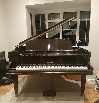 Lovely Challen baby grand piano in a good condition